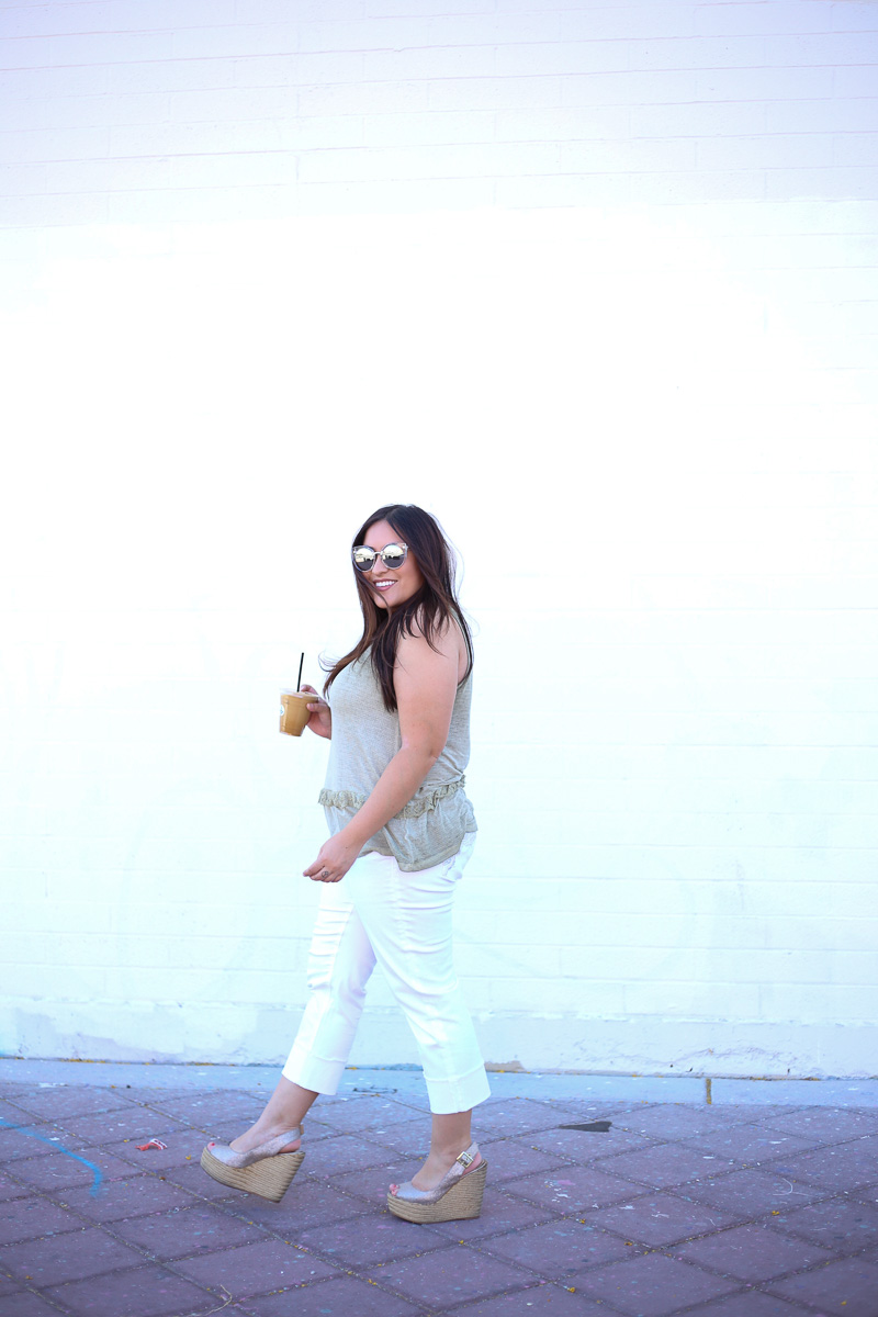 White Crop Jeans for Summer-3
