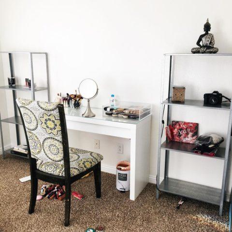 beauty room, vanity, makeup vanity