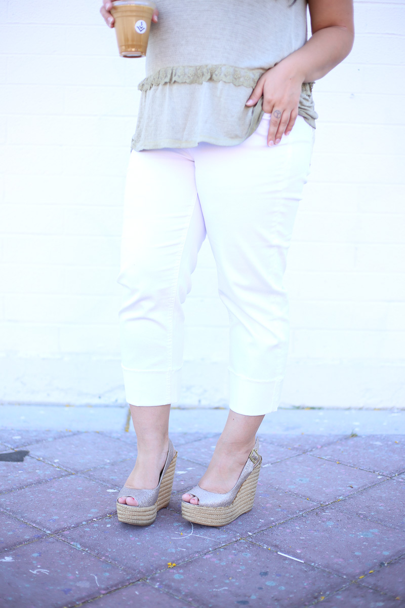 White Crop Jeans for Summer